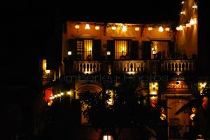 Hoi An restuarant at night-2